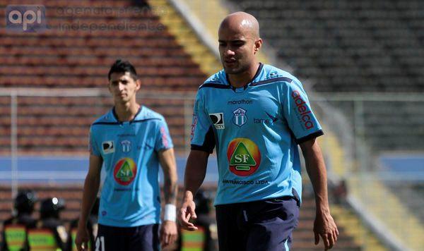 QUITO 03 NOVIEMBRE 2013.  Deportivo Quito vs el Macara. FOTOS API / JUAN CEVALLOS.