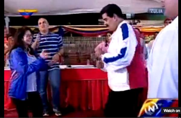 maduro baila merengue