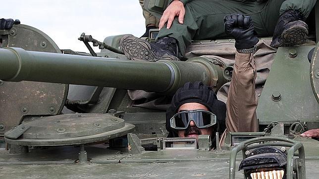Nicolás Maduro en un tanque de guerra