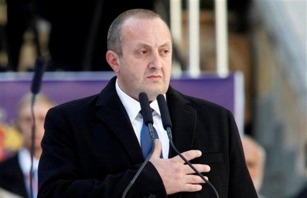 Giorgi Margvelashvili tomó posesión como presidente de Georgia el domingo 17 de noviembre de 2013. El filósofo de 44 años y ex rector de la universidad dijo que reforzará los lazos de esa ex república soviética con la OTAN. (Foto de AP/Shakh Aivazov)