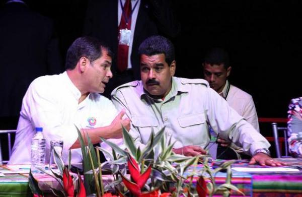 Rafael Correa, presidente de Ecuador, y Nicolás Maduro, presidente de Venezuela. Foto de Archivo, La República.