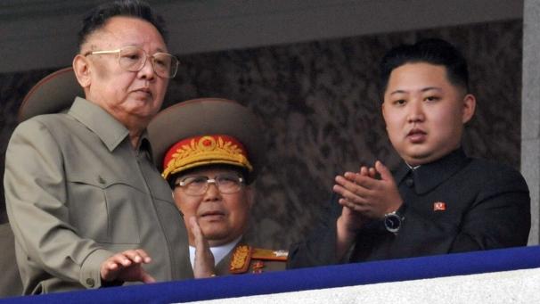 Kim Jong Il y su hijo Kim Jong-un.
