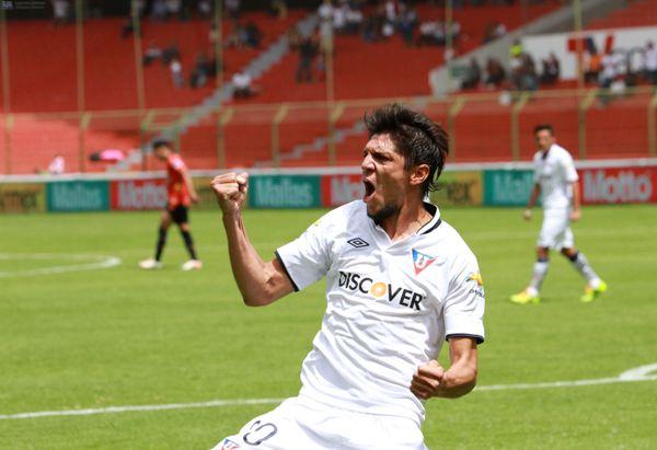 QUITO 01 DE DICIEMBRE DE 2013, En el estadio Casa Blanca Liga de Quito recibe al Dep. Cuenca FOTO API/JAVIER CAZAR