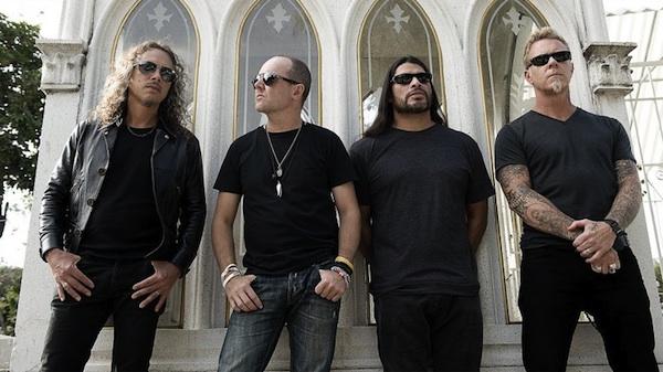Desde todo Ecuador llegan a Quito para ver a #Metallica