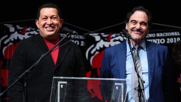 Hugo Chavez y Oliver Stone, 2010.