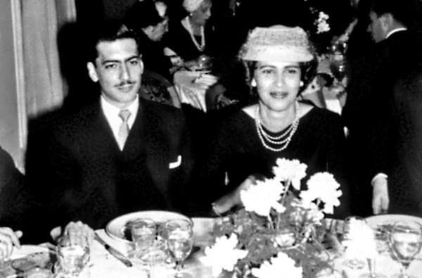 Mario Vargas Llosa y Julia Urquidi.