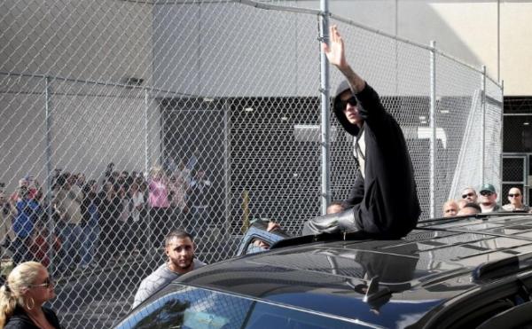 Justin Bieber sale de prisión