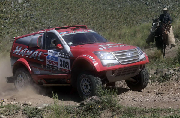 Portugal's Carlos Sousa and co-pilot Miguel Ramalho compete with their Great Wall during the 9th stage of the Dakar Rally 2013 from San Miguel de Tucuman to Cordoba