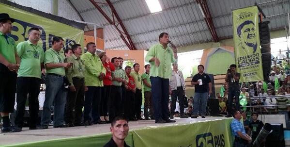 * Presidente de la República, haciendo campaña electoral en Zamora.