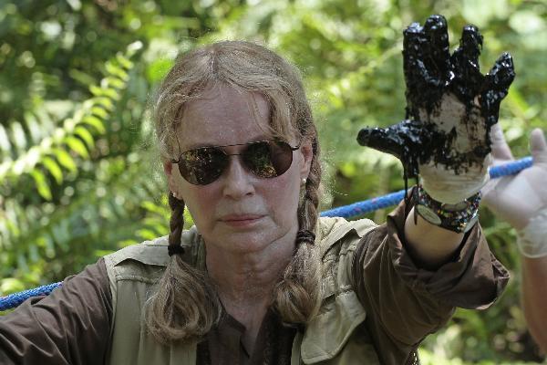 La actriz Mia Farrow, quien vino a Ecuador con un contrato firmado por el gobierno de Ecuador con la empresa McSquared.