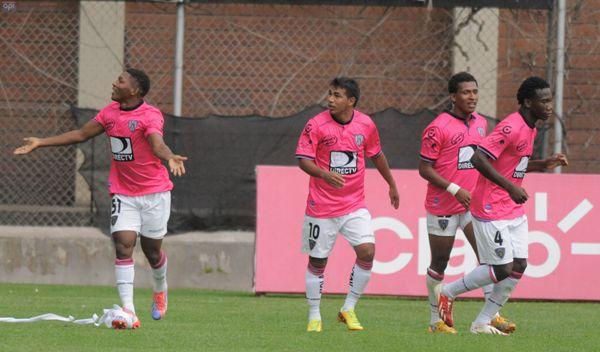 Foto de archivo. Independiente del Valle jugando un partido de campeonato ecuatoriano de fútbol. API.