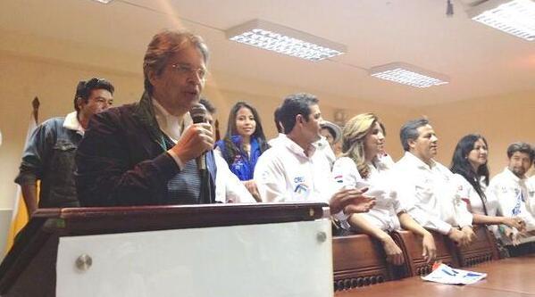 Lasso, con Alberto Coles, candidato a alcalde de Guaranda.