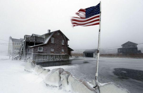 En la imagen, paisaje helado en Scituate, Massachusetts. MICHAEL DWYER (AP)