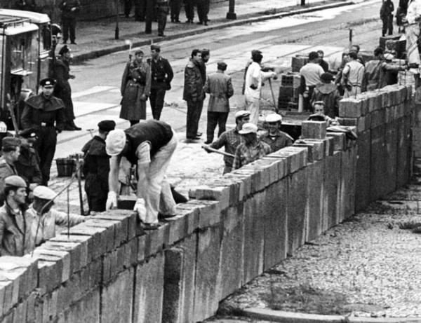 muro de berlin construccion