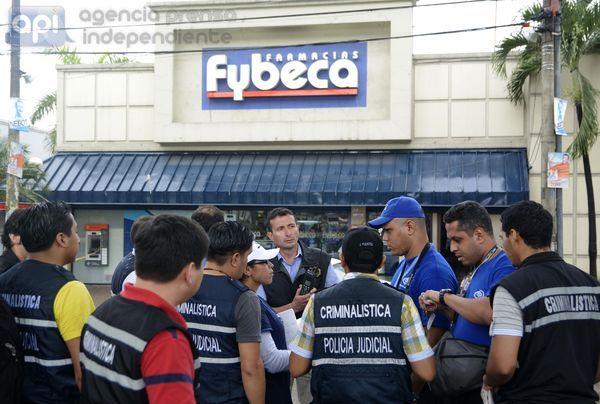 Guayaquil 23 de Enero del 2014. Hoy se ralizó la reconstrucion de los hechos del caso Fybeca, donde participaron cinco peritos de la Unidad de Criminalística Contra la Vulneración de Derechos Fundamentales (UCCVDF) de Venezuela. Foto: Marcos Pin / API
