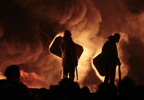 Manifestantes en la Plaza de la Independencia de Ucrania, (AP Photo/Sergei Chuzavkov)