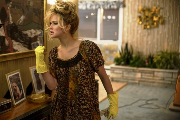 Jennifer-Lawrence-American-Hustle-04