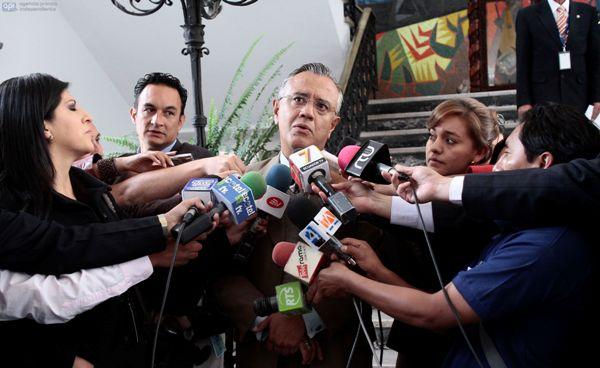 QUITO 26 DE FEBRERO DEL 2014. Runion de gabinete de de la presidencia de la rpublica en el palacio de Carondelet. FOTOS API / JUAN CEVALLOS.