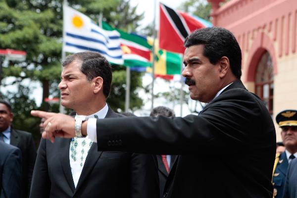 Rafael Correa y Nicolás Maduro, presidentes de Ecuador y Venezuela. Foto de Archivo.