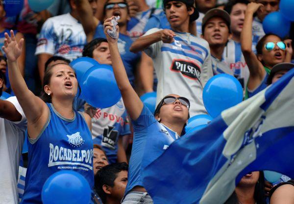 Guayaquil 26 de Enero del 2014. Emelec vs Mushuc Runa. Hinchas de Emelec. Foto: Marcos Pin / API