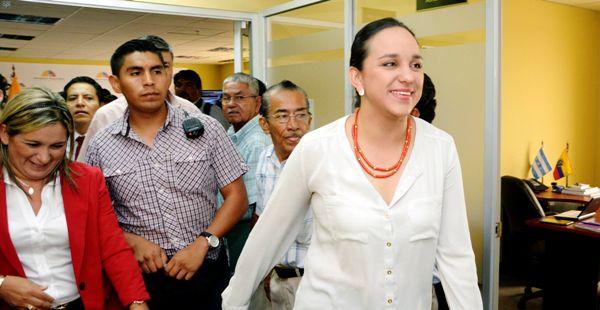 Guayaquil 29 de Enero del 2013. La Presidenta de la Asamblea Gabriela Rivadeneira se reunió en Guayaquil, con las Organizaciones Sociales, para tratar los temas relacionados a la reforma Agraria. Fotos: Marcos Pin / API
