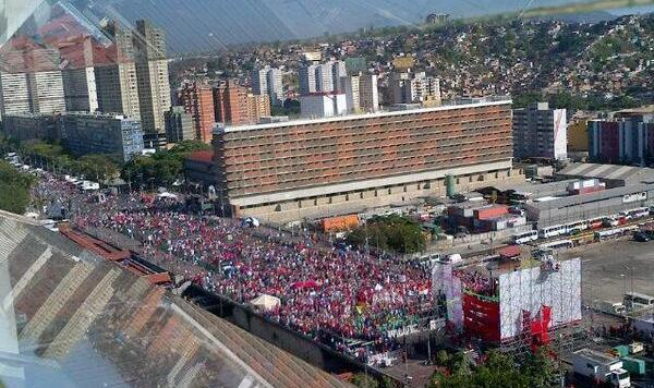 Foto de la marcha de Maduro, tuiteada el 15 de febrero de 2014.