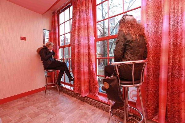 trata de prostitutas el trabajo mas antiguo del mundo