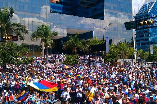 La foto es del parque Miranda, en Caracas, y ha sido tuiteada a las 11h00.