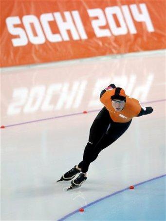 El holandés Sven Kramer. (AP Foto/Pavel Golovkin)