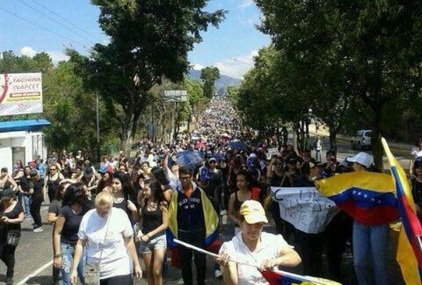 Foto de las manifestaciones en Táchira el 9 de febrero de 2014.
