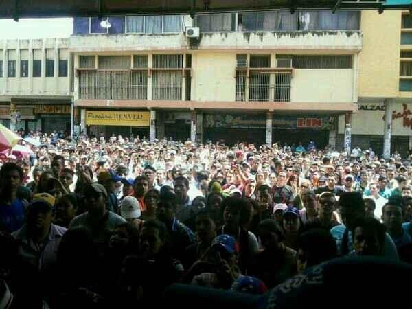 Tuiteada la tarde del 10 de febrero de 2014 desde el centro de San Cristóbal, en Táchira.