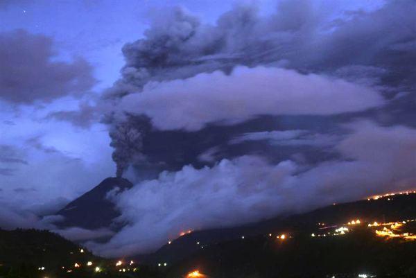 volcan Tungurahua feb