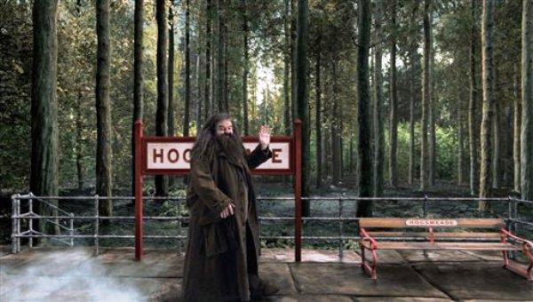 """En esta imagen difundida por Universal Orlando, el personaje Hagrid de """"Harry Potter"""" en una escena de la atracción Hogwarts Express que abrirá este verano en los parques de los estudios Universal en Orlando. (AP Foto/Universal Orlando)"""