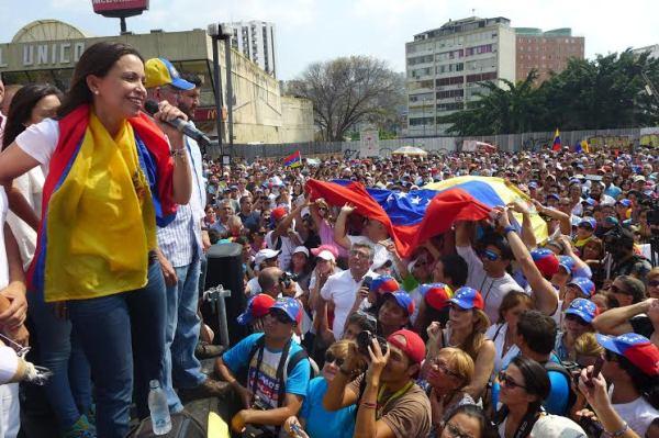 Maria Corina a su llegada a Venezuela