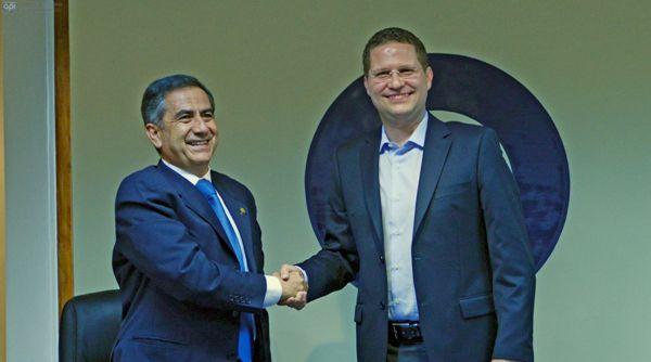 QUITO 5 DE MARZO DEL 2014. Reunion del nuevo alcalde de Quito Mauricio Rodasy el Alcalde saliente Augusto Barrera. FOTOS API.