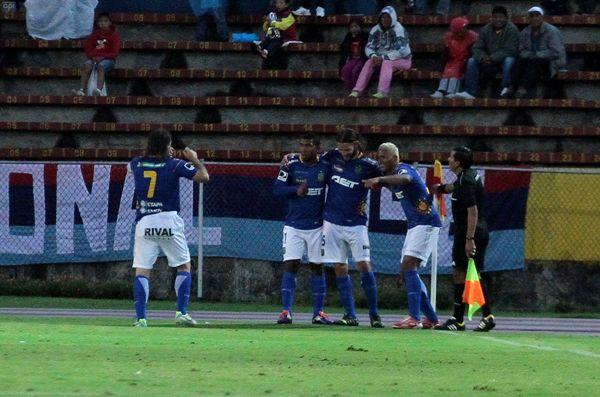 QUITO 26 DE ABRIL DEL 2014. NAcional Vs Deportivo Cuenca. FOTOS API / JUAN CEVALLOS.