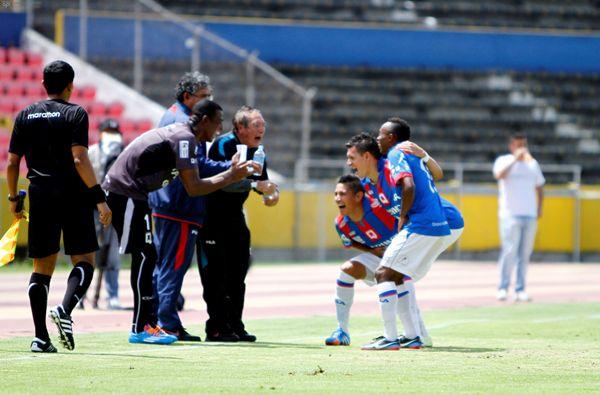 QUITO 17 DE ABRIL DE 2014, En el estadio Atahualpa Dep. Quito recibe al Mushuc Runa  FOTO API / JAVIER CAZAR