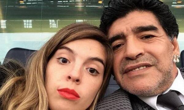maradona selfie