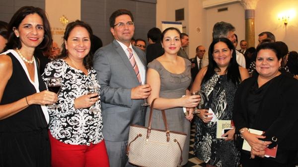 Pamela Jalil, María Jurado, Santiago Velásquez, María José Blum, Mary Lynch, Teresa Núques