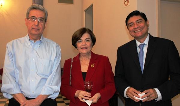 Dr. Enrique Herrería, Pocha Granja y Carlos Jijón