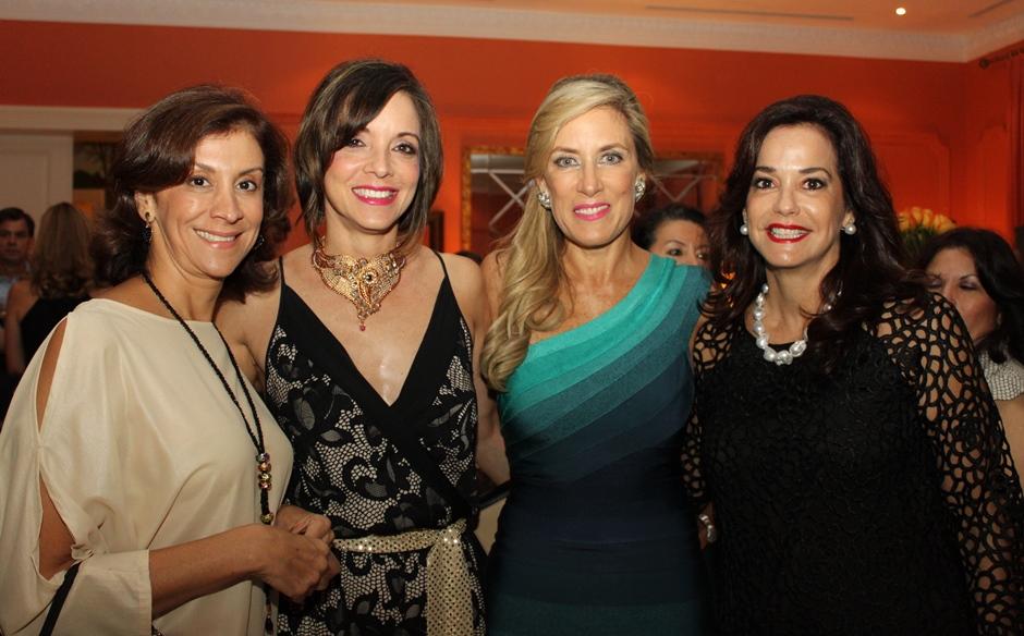 Anabella Azín y sus amigas Gloria de reyes, Ines Pulson