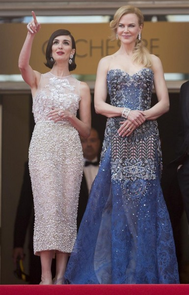 La actriz española Paz Vega  y la actriz australiana Nicole Kidman. EFE/Ian Langsdon