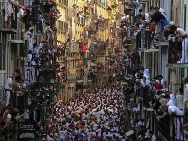 La fiesta de San Fermín, por Pedro Armestre.