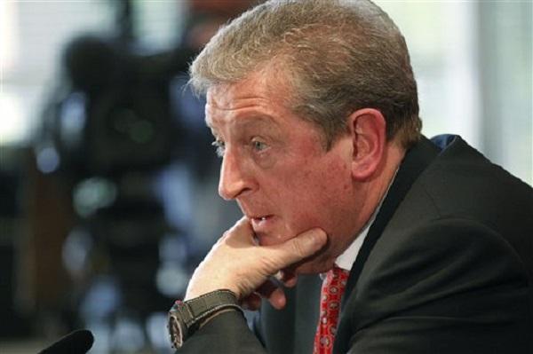 Foto de archivo. El técnico de Inglaterra Roy Hodgson anunciando el plantel que llevará a la Copa Mundial de Brasil el 12 de mayo del 2014 en Luton, Inglaterra. (AP Photo/Sang Tan)
