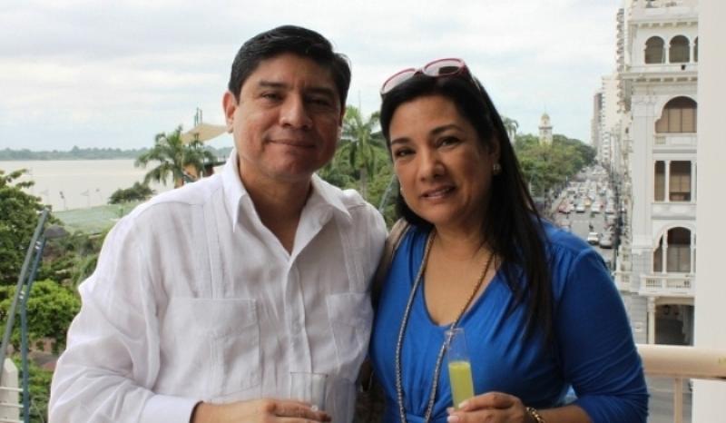 Carlos Jijón, Director de LaRepública y Tania Tinoco, directora del Noticiero Telemundo, de la cadena Ecuavisa.