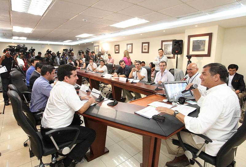 Guayaquil, 10 jun 2014.- El Presidente de la República, Rafael Correa Delgado, dialogó con periodistas de varios medios de comunicación de Guayaquil. Foto: Eduardo Santillán Trujillo/Presidencia de la República