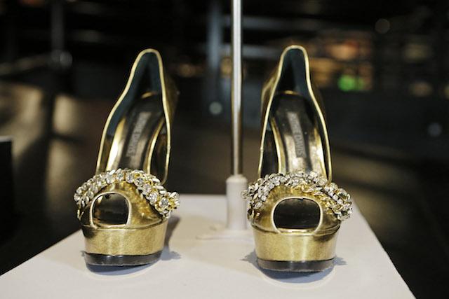 """Los zapatos que Beyonce usó en """"Sweet Dreams"""". (AP Foto/Mark Duncan)"""