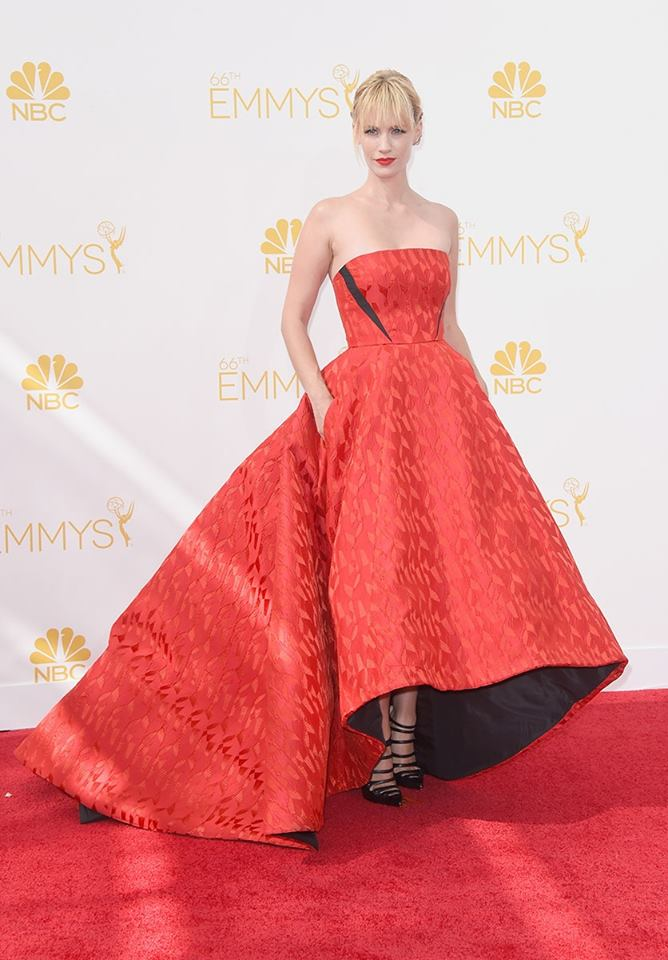 January Jones en un Prabal Gurung.