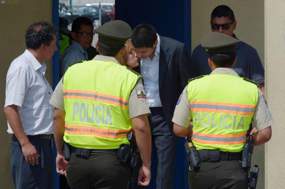 Guayaquil, 28 de Agosto del 20014. Fernando Balda salió del Centro de Privación de la Libertad Zonal 8, pero fue detenido nuevamente por un juicio de alimentos. Foto: Marcos Pin / API