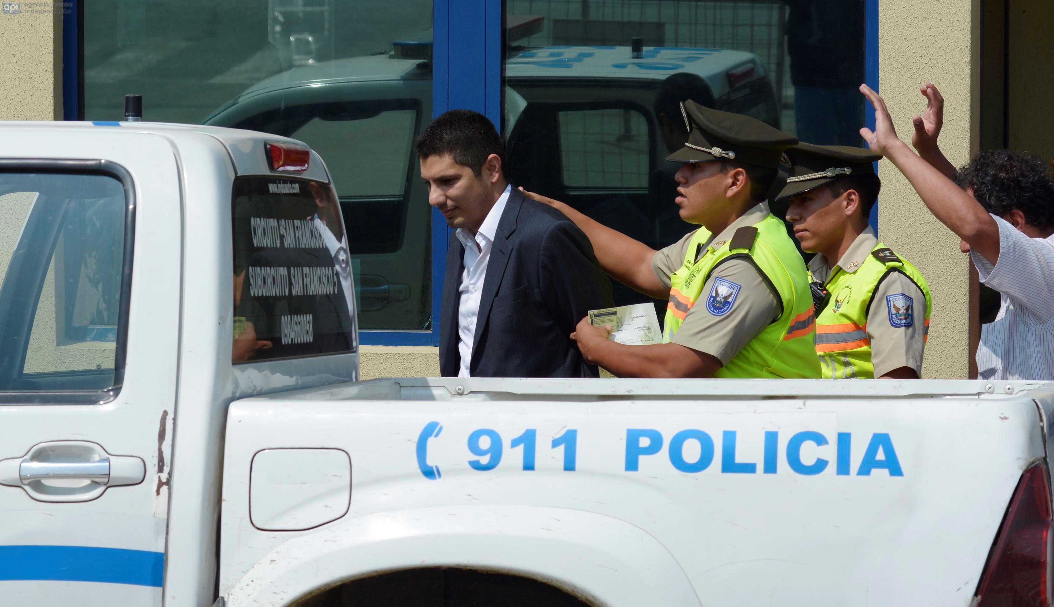 Guayaquil 28 de Agosto del 20014. Fernando Balda salió del Centro de Privación de la Libertad Zonal 8, pero fue detenido nuevamente por un juicio de alimentos. Foto: Marcos Pin / API